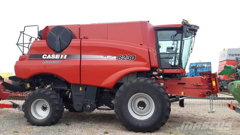 Case IH Axial Flow 8230