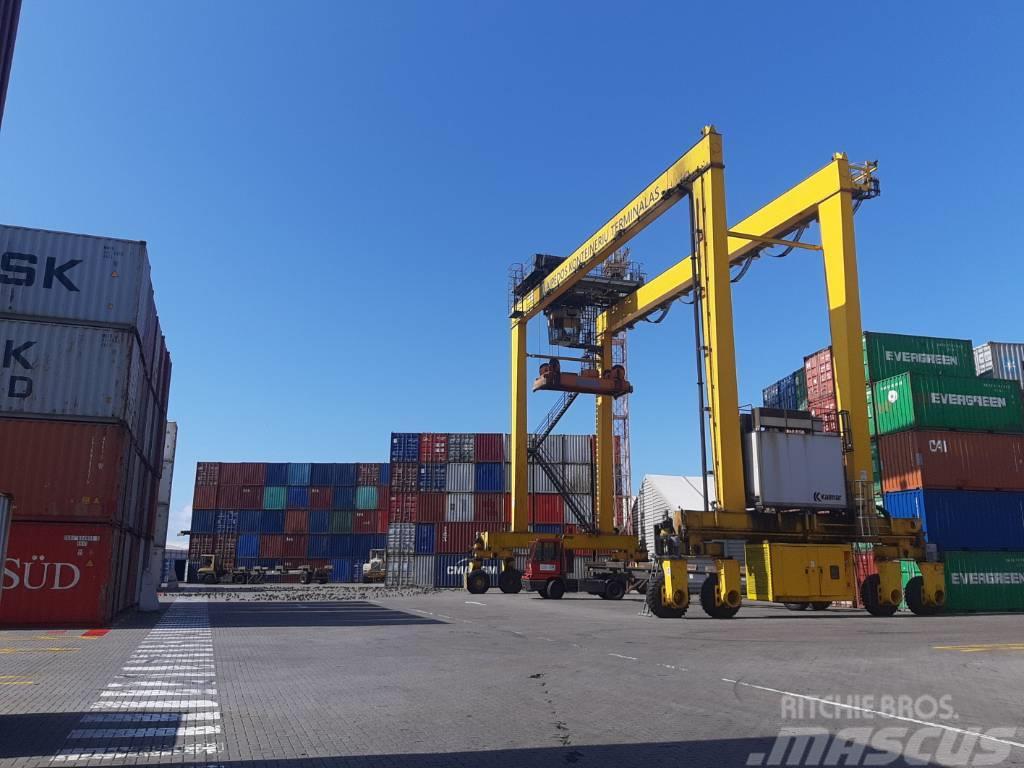 Kalmar RTG (rubber tyred gantry crane)
