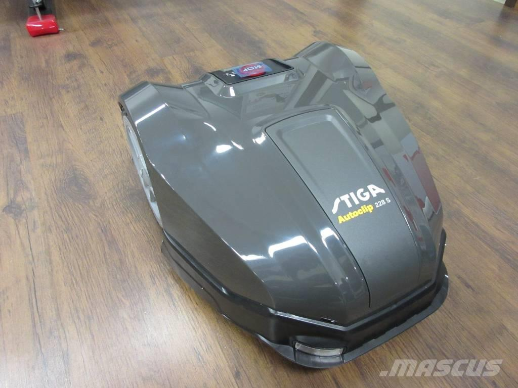 Stiga Autoclip 228 S Robottiruohonleikkuri