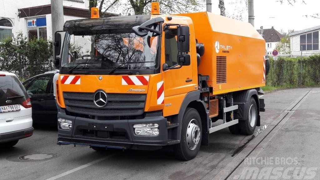 Mercedes-Benz Atego 1324 mit Trilety Kehrmaschine