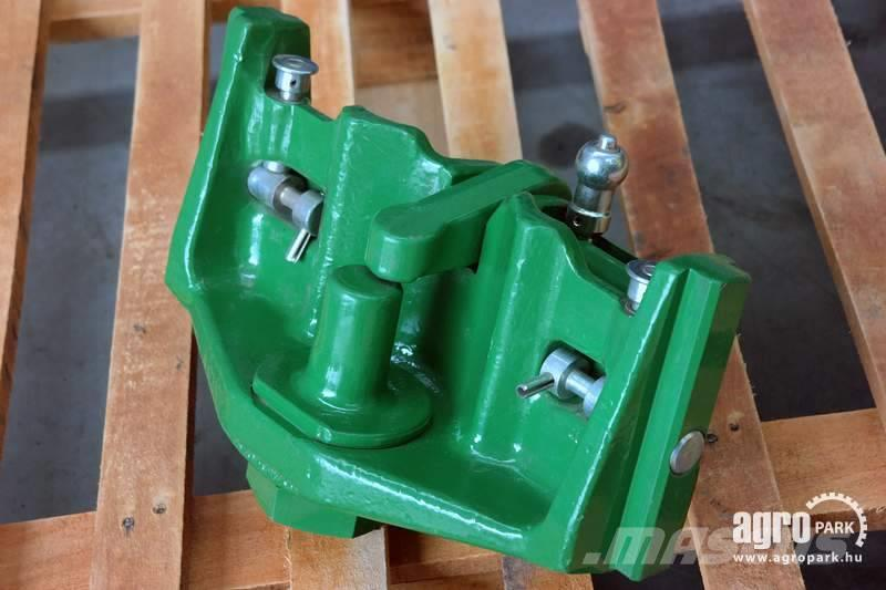 John Deere New John Deere piton hitch, can be fitted