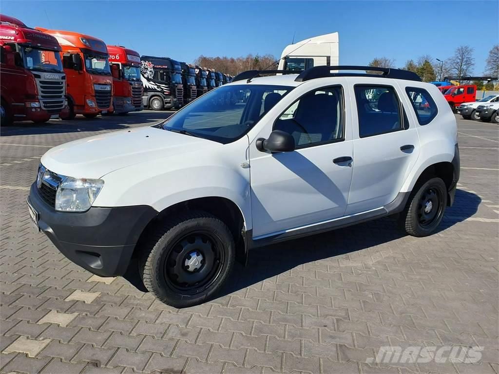dacia duster occasion prix 4 599 ann e d 39 immatriculation 2012 voiture dacia duster. Black Bedroom Furniture Sets. Home Design Ideas