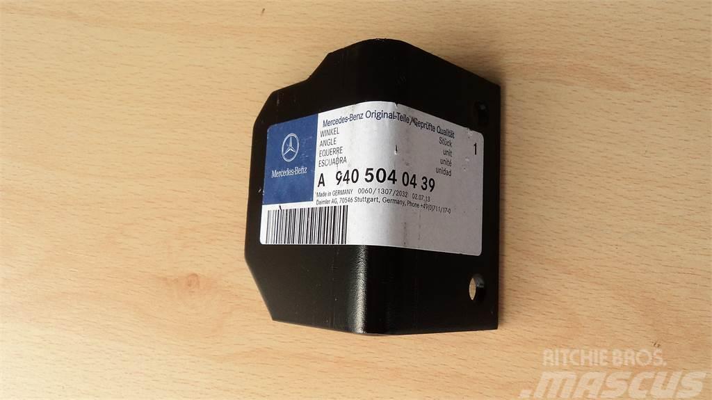 Mercedes-Benz CANTONEIRA MERCEDES A9405040439