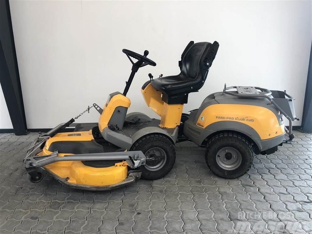 Stiga PARK PRO SVANE 4WD 125 cm klipper / Honda Motor