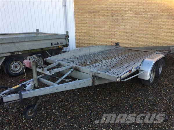 Variant 3500-kg auto trailer