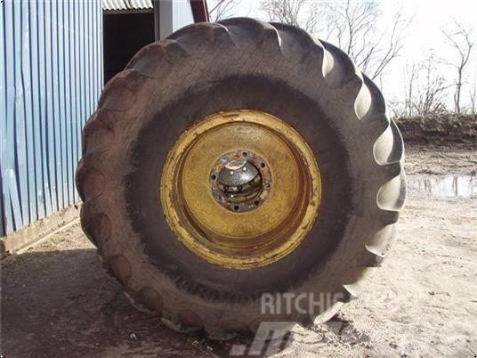 Goodyear 66X43.00-25