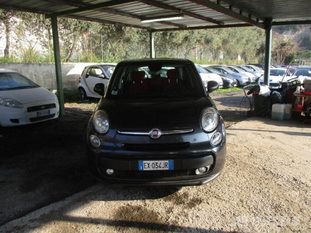 fiat 500l occasion prix 9 300 voiture fiat 500l vendre mascus france. Black Bedroom Furniture Sets. Home Design Ideas