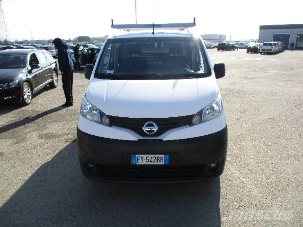 nissan nv200 occasion prix 11 650 voiture nissan nv200 vendre mascus france. Black Bedroom Furniture Sets. Home Design Ideas