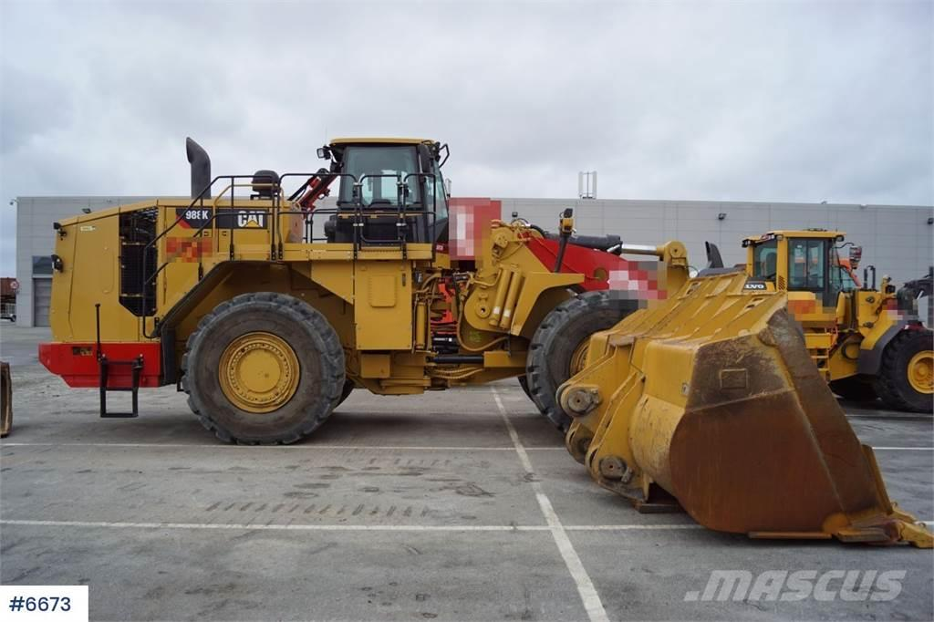 Caterpillar 988K w / good tires and new teeth on bucket