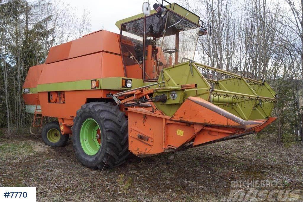 Dronningborg D4000S combine harvester