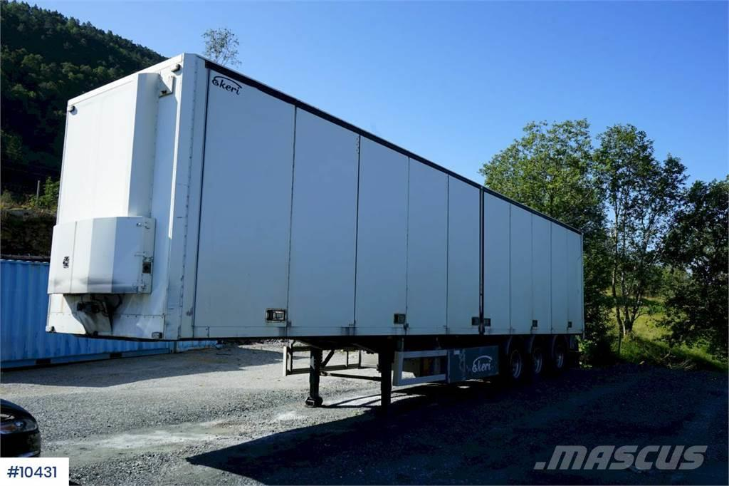 Ekeri 3 axle trailer with heater and full side opening