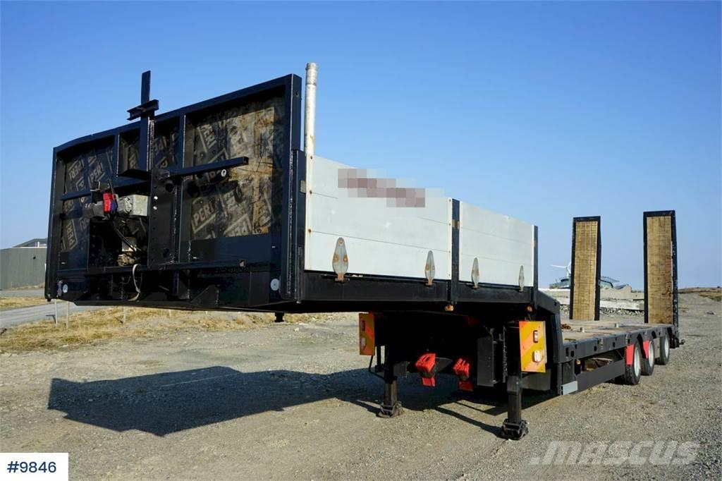 HRD 3 axle machine semi with hydr ramps and manual wid