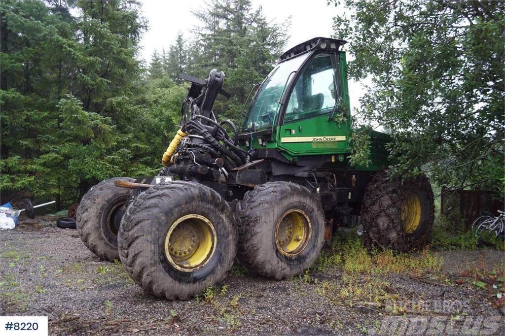 John Deere 1470D 6x6 Harvesting Machine
