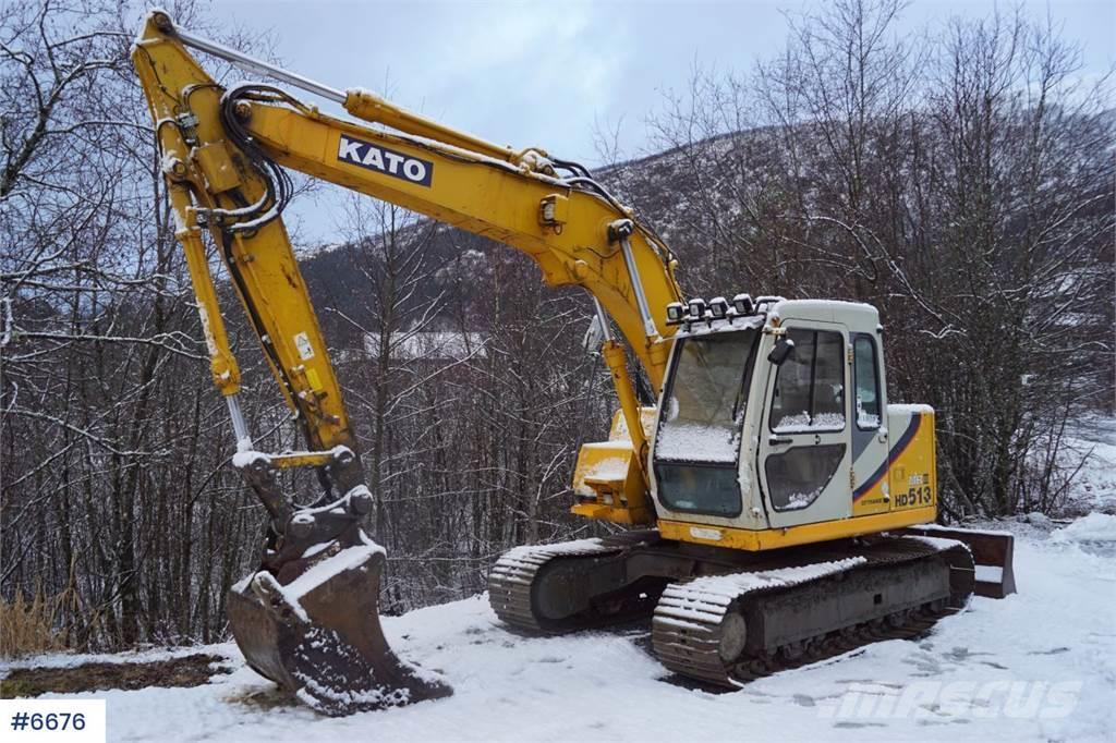 Kato HD513MR-3 Excavator with few hours and 2 buckets W