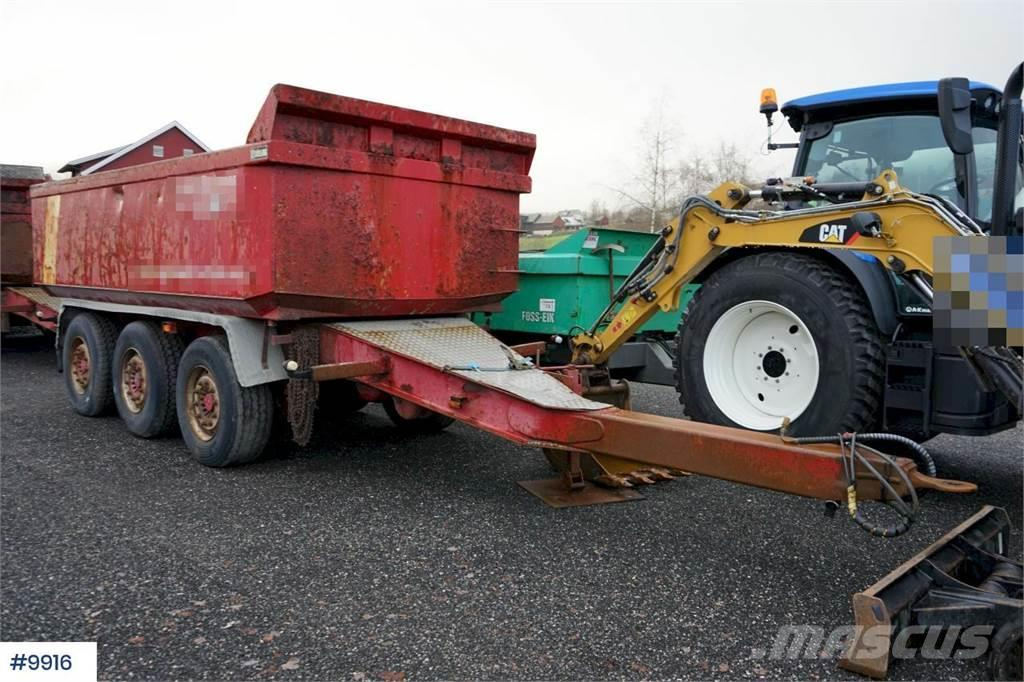 Maur 3 axle tipper trailer ith spreading limb. Rep obje