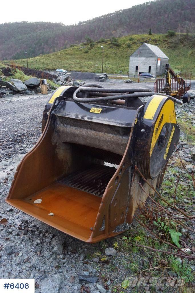 MB BF 90.3 S3 Lite used crushing bucket with coupling