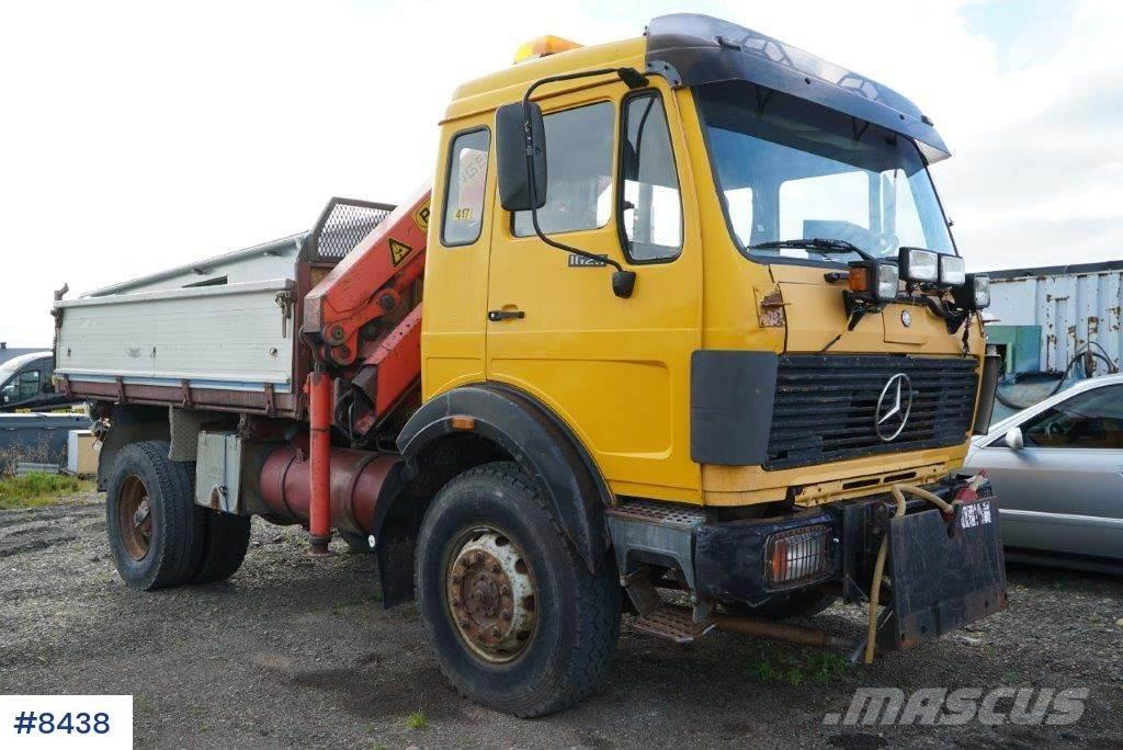 Mercedes-Benz 1625 4x4 with box and crane