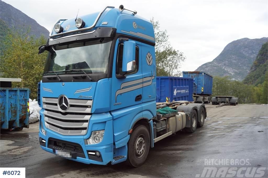 Mercedes-Benz Actros 2663 6x4 Hook truck Hiab 20 ton lift