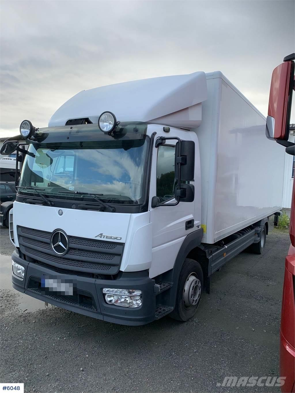 Mercedes-Benz Atego 1224L w / box and rear lifter