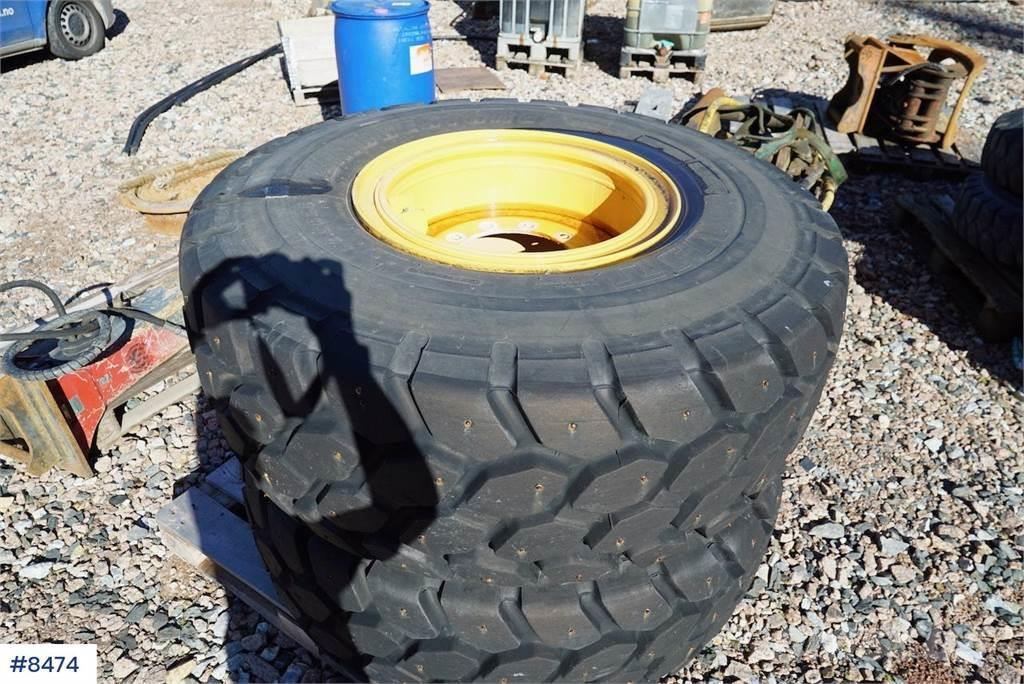 [Other] 2 pcs. rims with tires for Volvo L60H wheel loader