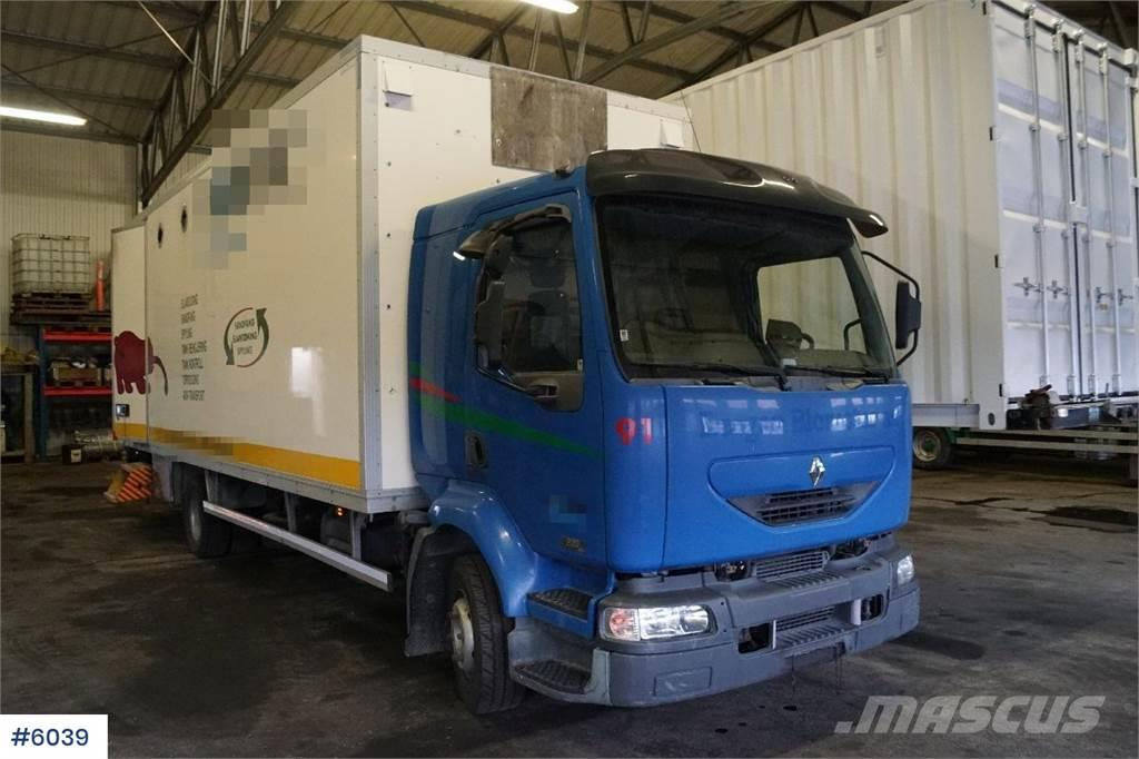Renault Midlum 215 hk 4x2 box truck. Lift and good tires.