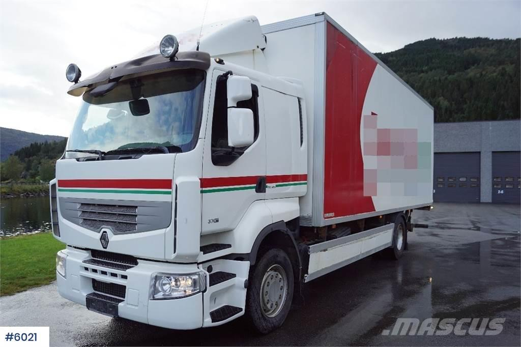 Renault Premium 370 4x2 Boxtruck with lift