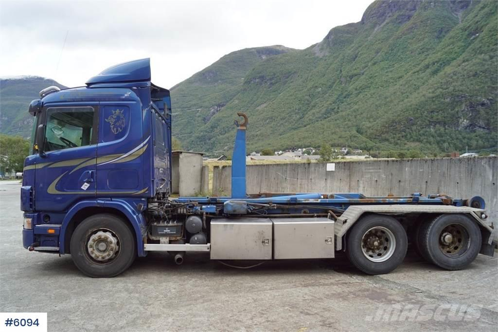 Scania 144.460 6x2 snow rigged hook truck with Leebur LBS