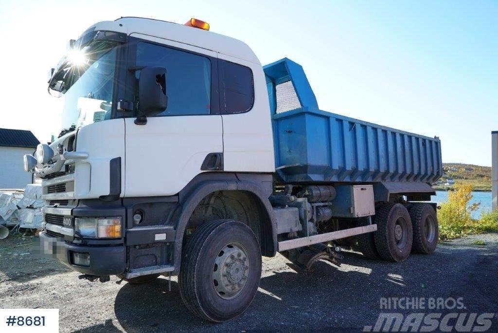 Scania P124 4x4+2 snow rigged