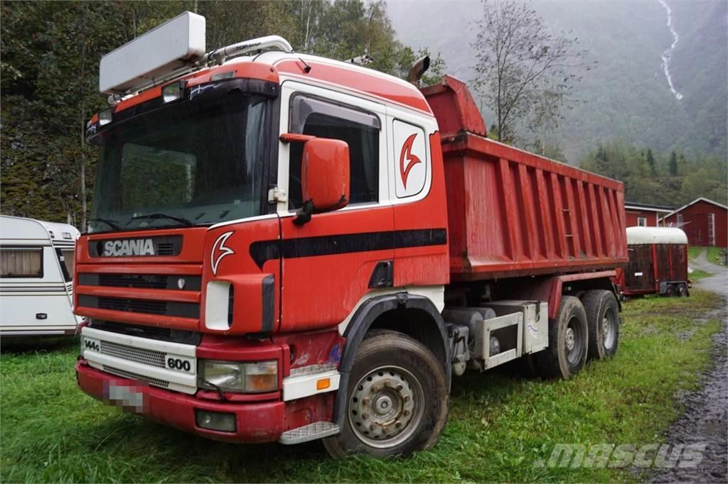 Scania P124 6x4 Tipper truck. New plate in the floor