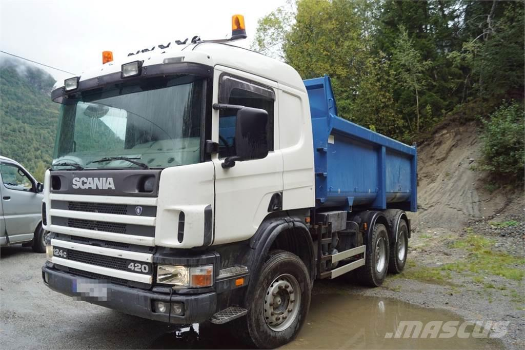 Scania P124 6x4 Tipper truck with turntable.