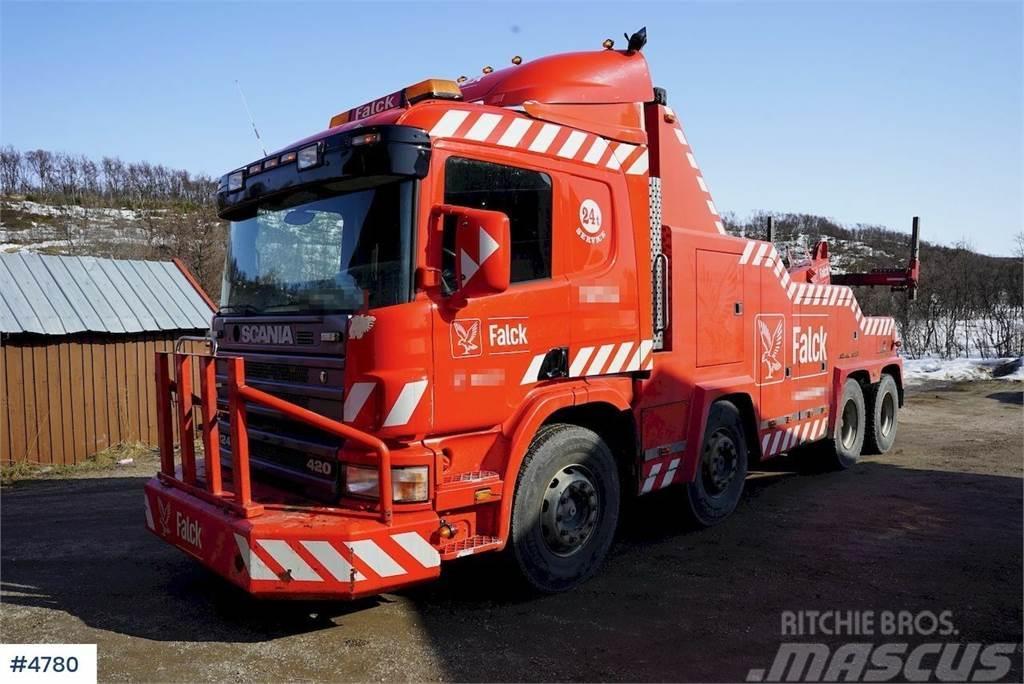 Scania P124GB tungberger, 30 & 15 tonns vinsj