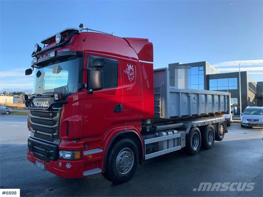 Scania R560 8x4 Hook truck with lots of equipment
