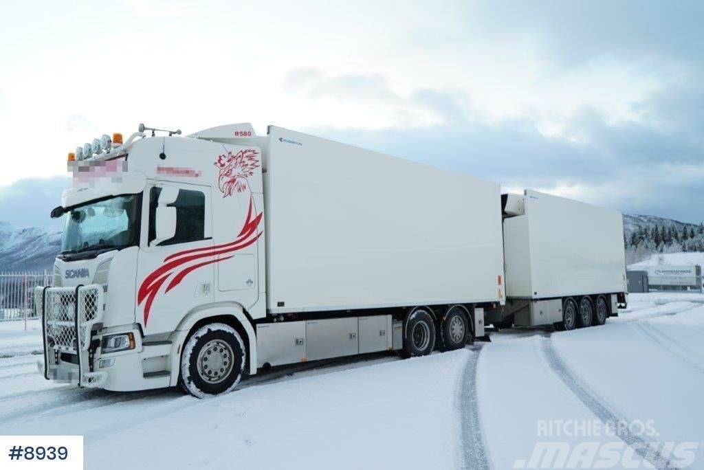 Scania R580 with 2011 Trailerbygg with 3 temp bussbygg ca