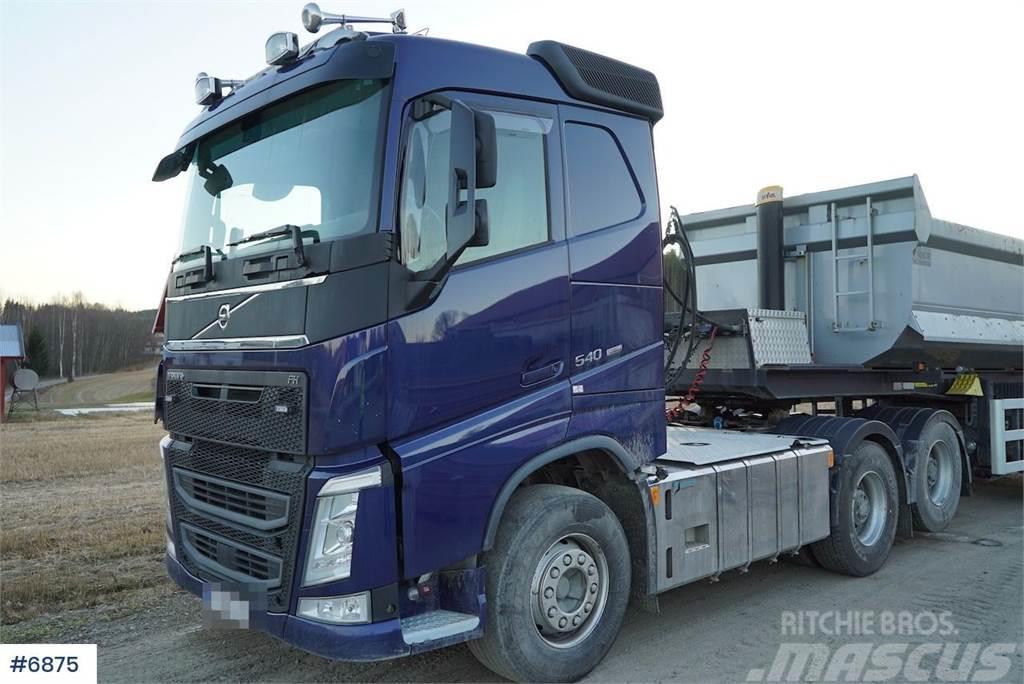 Volvo FH 540 6x4 w / hydraulics & tandem lift