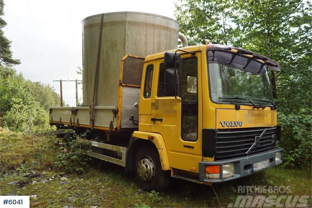Volvo FL611 4x2 Tipper truck