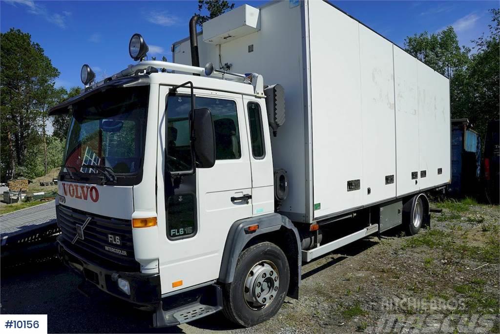 Volvo FL615 box truck w / lift & full side opening