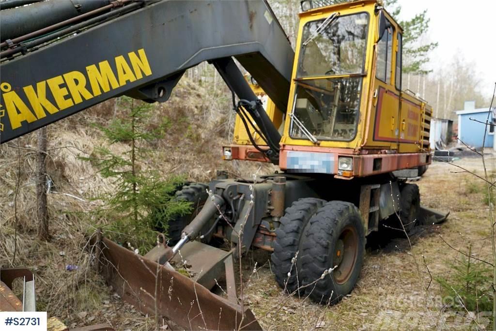Åkerman H10MB Wheeled Excavator