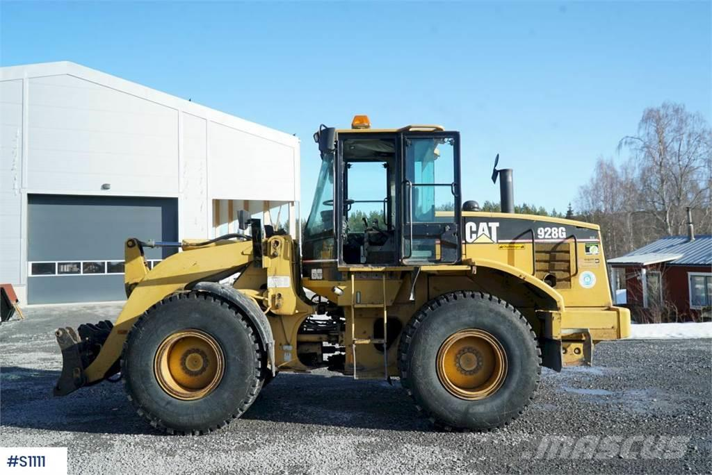 Caterpillar 928G, Wheel loader with bucket