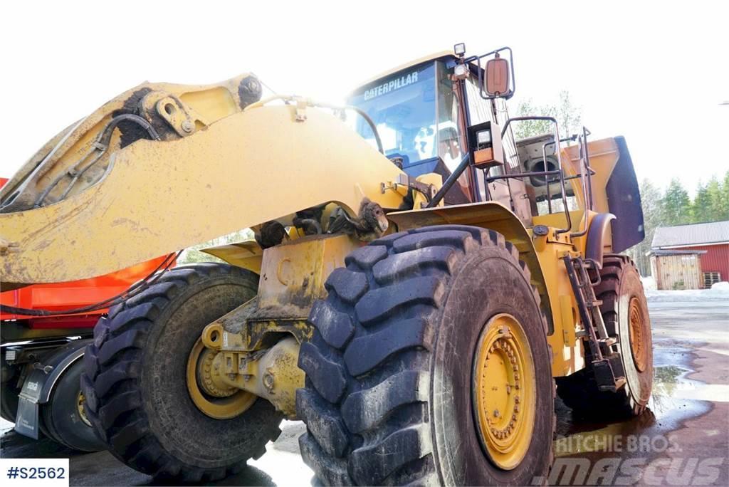 Caterpillar 980H Wheel Loader with bucket