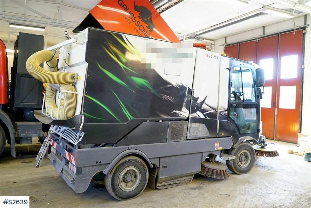 Dulevo 3000 Revolution Sweeping Machine