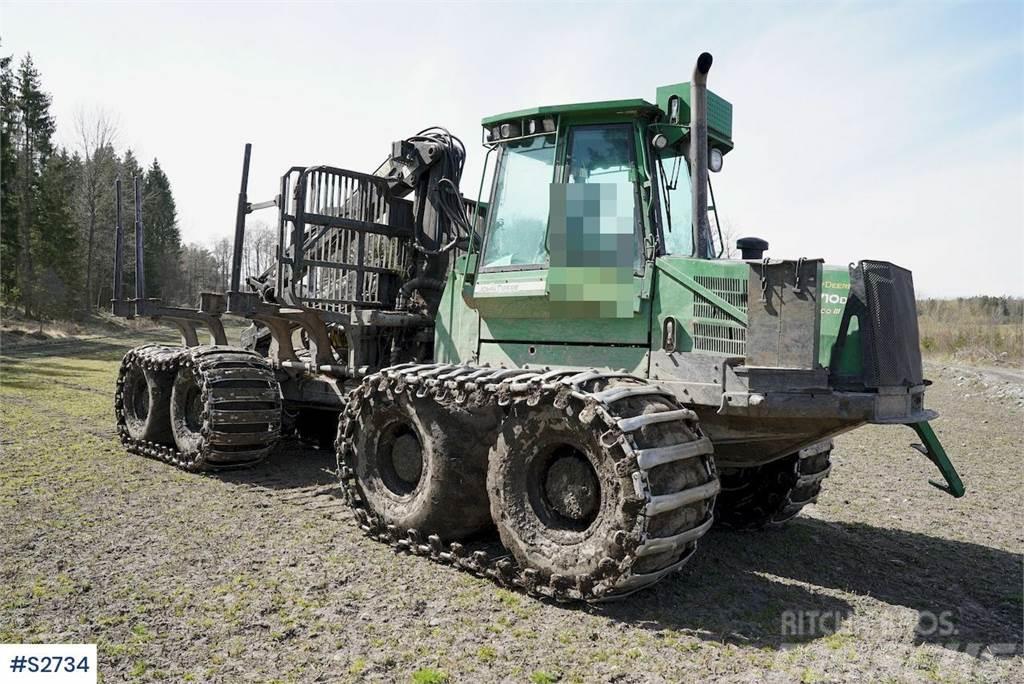 John Deere 1710D 8x4 Harvester with crane