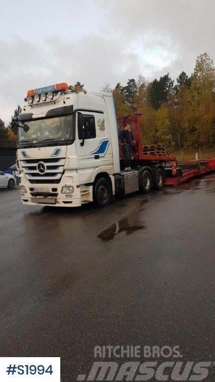 Mercedes-Benz 3355 LS Heavy Tractor Head with Machine Trailer