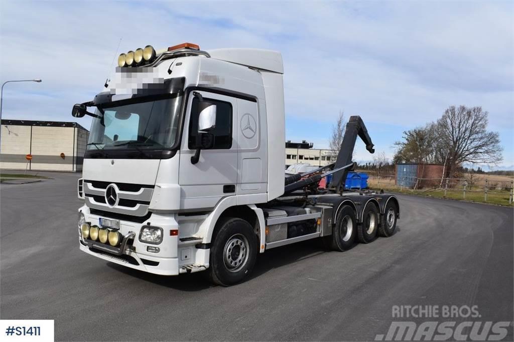 Mercedes-Benz Actros 8x4, Hook Truck
