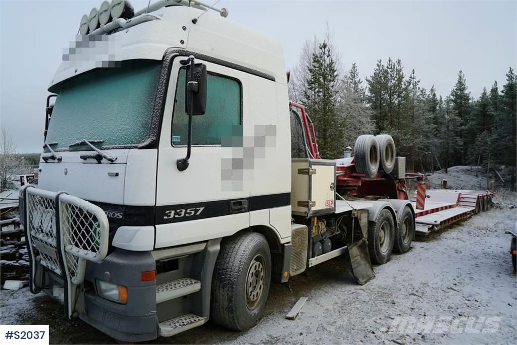 Mercedes-Benz Actros Tractor Head with SLP Machine Trailer