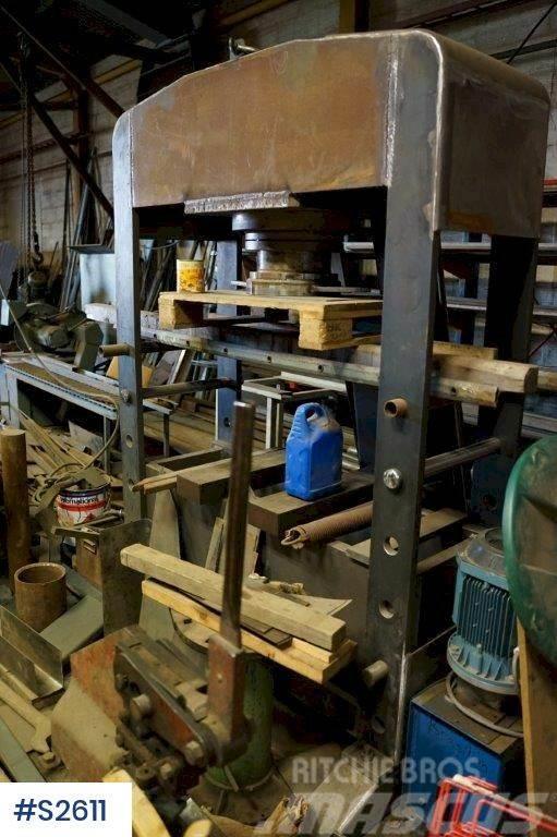 [Other] Hydraulic Press