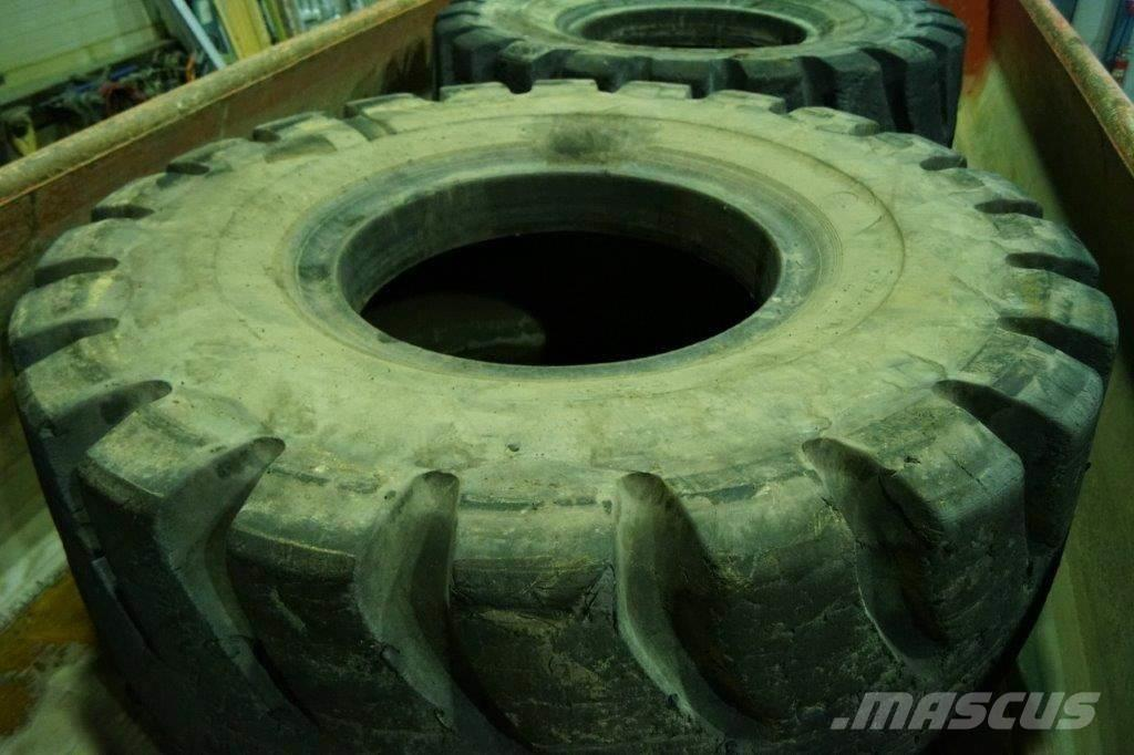 [Other] Tires to Caterpillar 988
