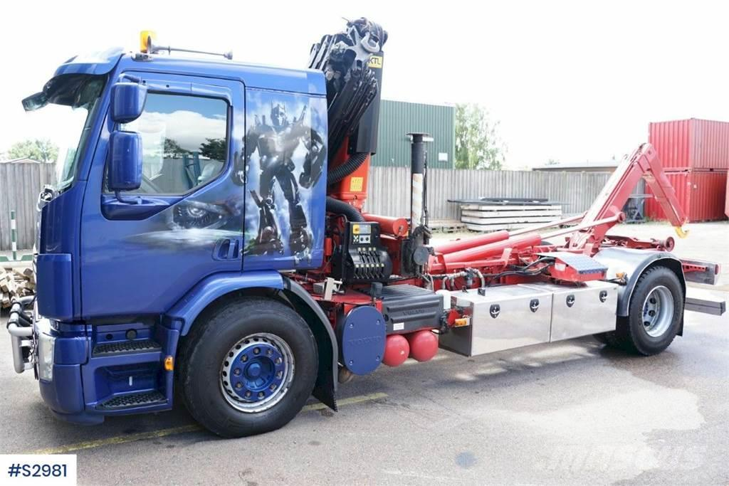Volvo FE320 Hook Truck with Crane and Hook