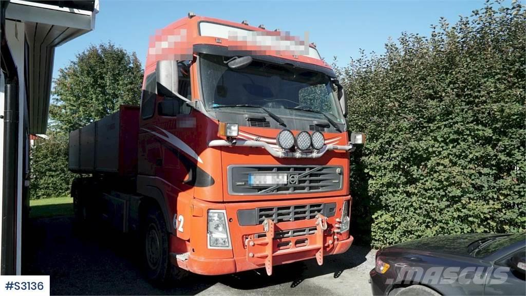 Volvo FH 520 8x4 Plow epuipped Tipp Truck