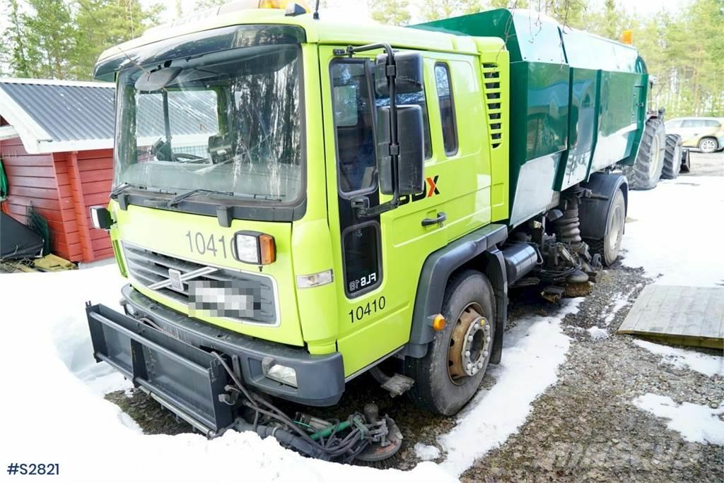 Volvo FL618 4x2 Sweeper Suction Truck