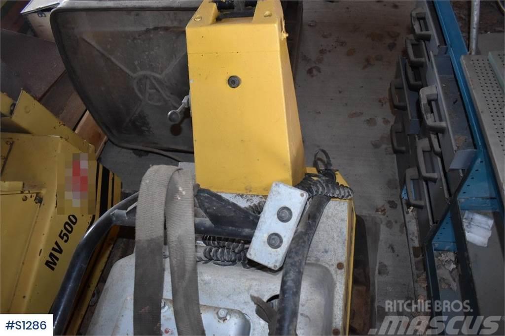 Wacker DPU6760, Vibratory plate compactor